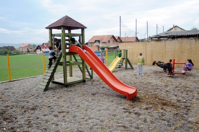 Dječije igralište Česma