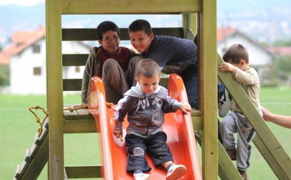 blusrcu.ba-BUD�ET GRADA: Za izgradnju dječijih i sportskih igrališta u Banjaluci predviđeno je 420.000 KM