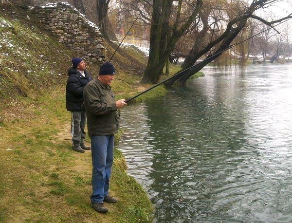 blusrcu.ba-FOTO PRIČA/ U DRUŠTVU SA BANJALUČKIM ALASIMA: Pecanje je divan hobi od kojeg se mo�e zaradit i poneka marka!